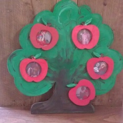Apple tree photo frame